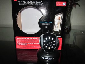 motorola wi fi video baby monitor camera blink1 b night helper. Black Bedroom Furniture Sets. Home Design Ideas