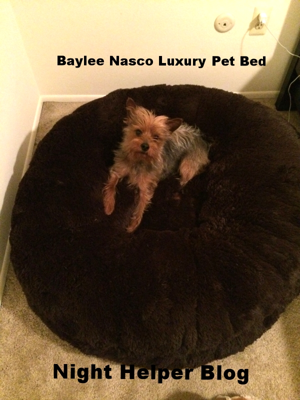 Baylee Nasco Luxury Pet Bed Review & Giveaway