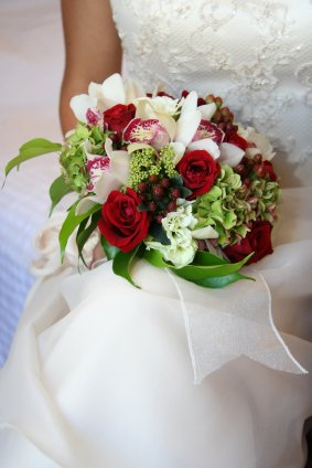 red-white-rose-bouquet-102