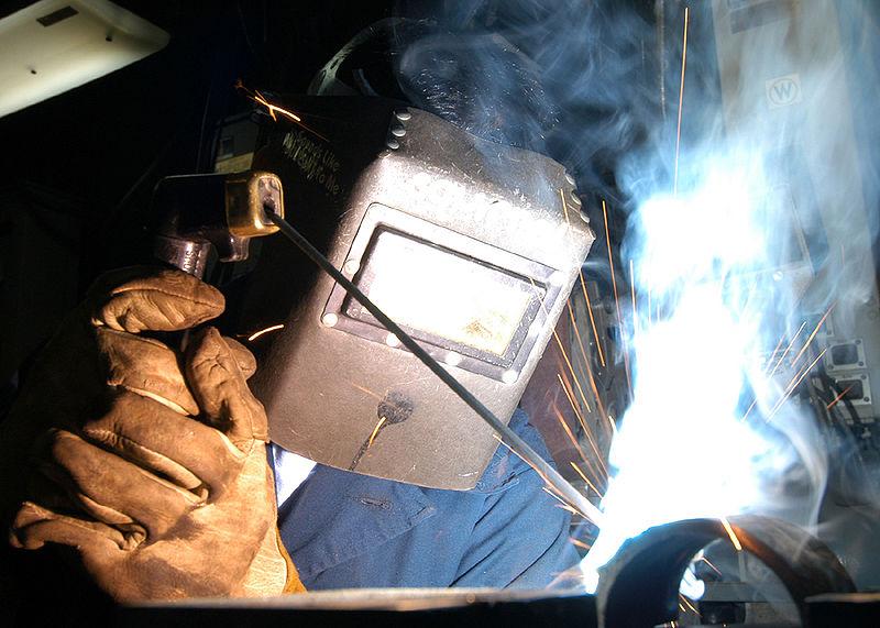 800px-SMAW_welding_navy_ncs