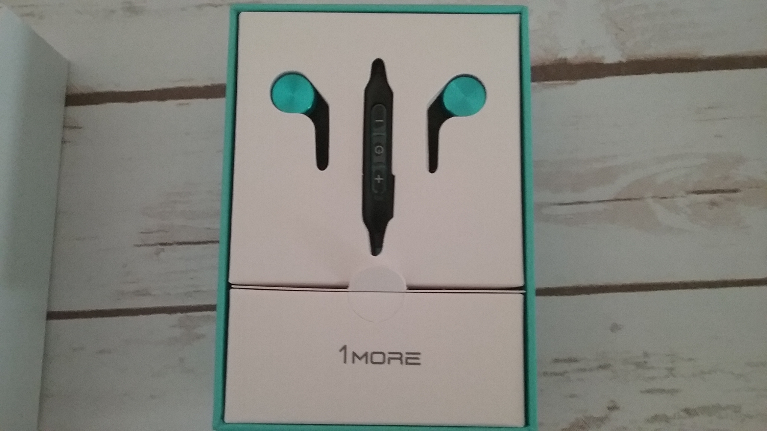 2017 Mother's Day Guide Featuring 1More  iBFree BLUETOOTH IN-EAR SPORT HEADPHONES.