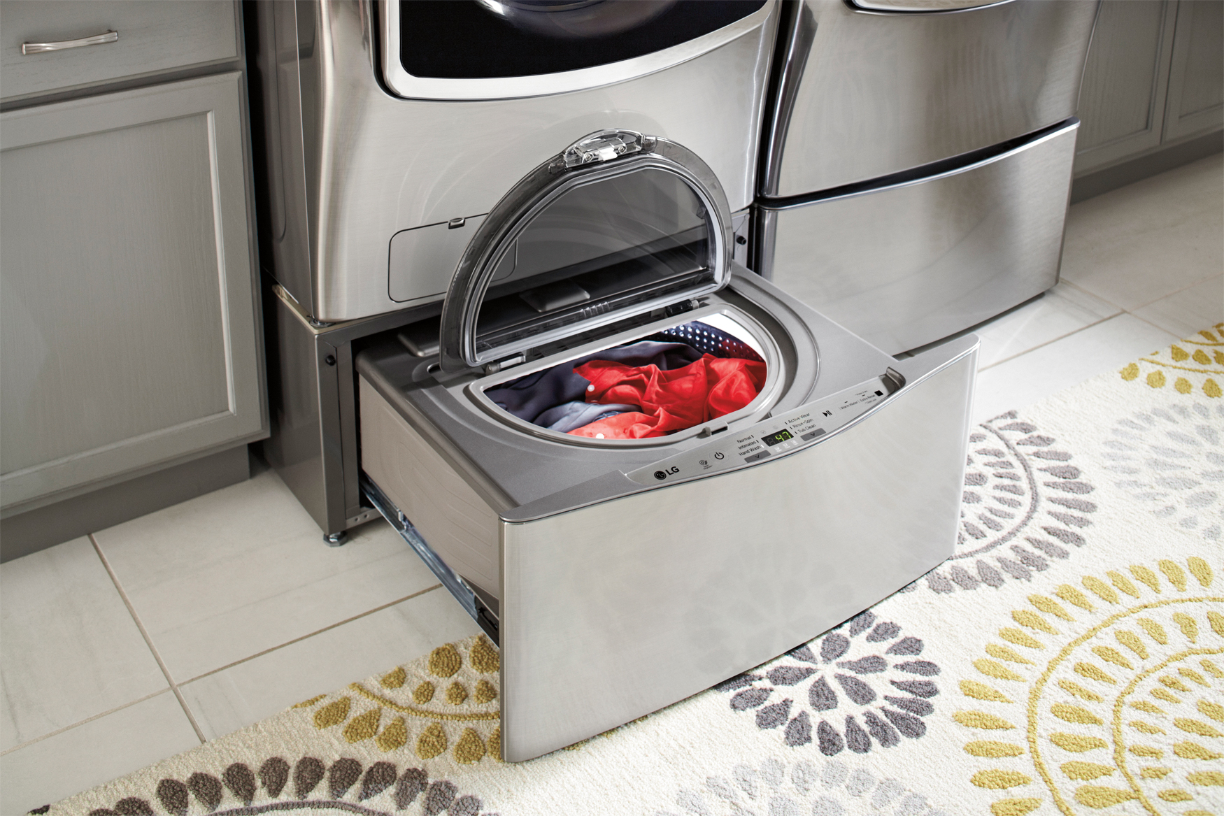 Best Buy Has Front Loading LG washers and SideKick on sale! @LGUS @BestBuy
