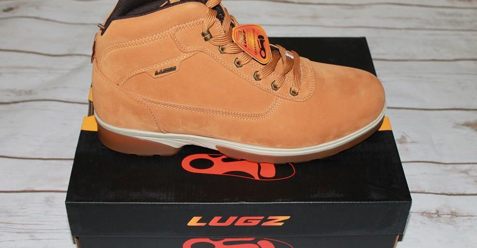 Perfect Snow Boots For The Holidays From Lugz.  #HolidayGuide  @LugzNYC
