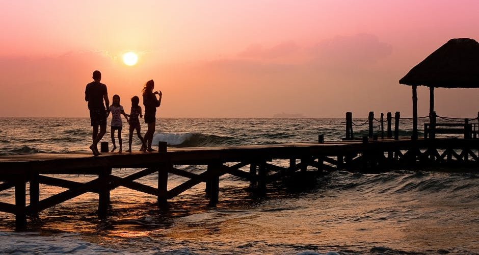How to Plan a Family Vacation on a Tight Budget