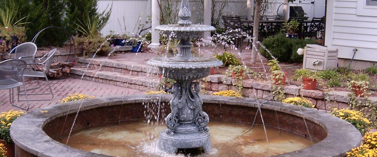 5 Types of Water Features for Small Gardens